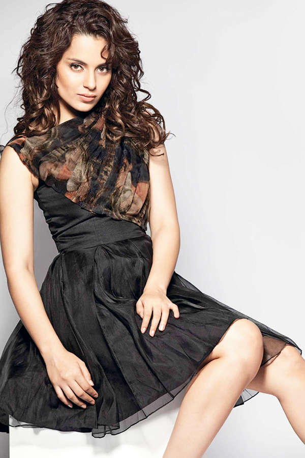 Kangana Ranaut takes a dig at Karan Johar, says he serves poison to his guests!