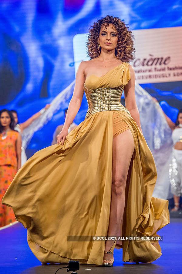 Kangana walks the ramp for Liva Creme
