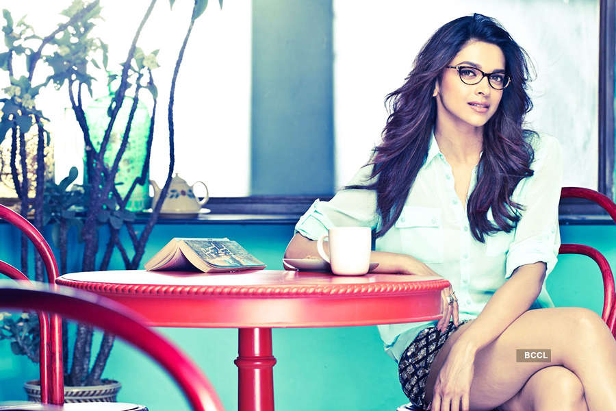 Deepika Padukone nails the cop look!