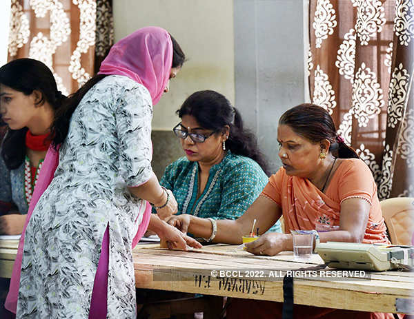 Battle for MCD: 53.58 pc voter turnout inches past 2012 figure