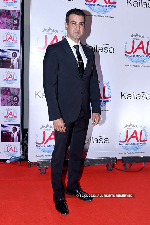 Kailash Kher celebrates musical journey of Kailasa