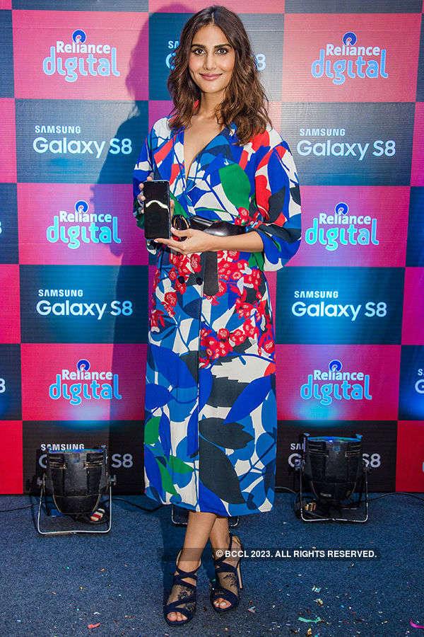 Vaani Kapoor unveils Samsung Galaxy S8