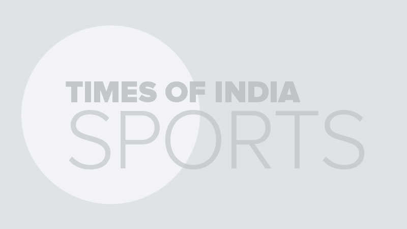World Cup: Shikhar Dhawan sweats it out in the gym despite thumb fracture