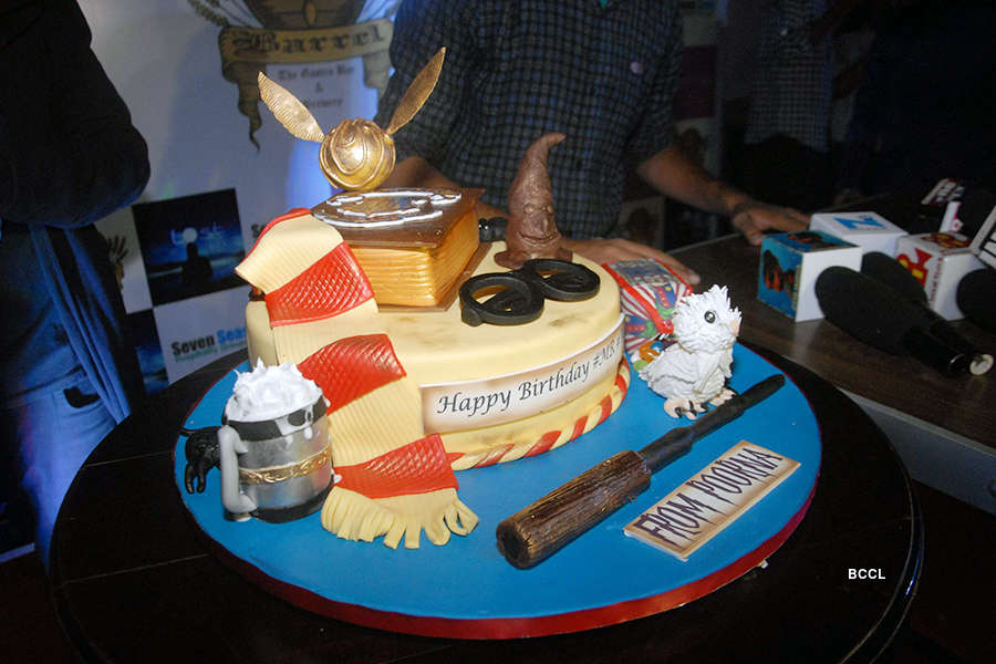 Celebs attend Vishal Gupta's b'day party