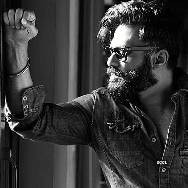 Suniel Shetty redefines hotness at the age of 55