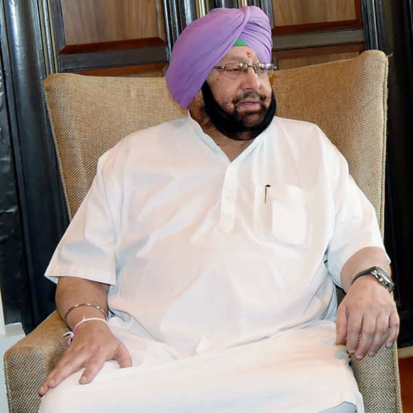 Punjab CM brands Kejriwal robber, demands resignation