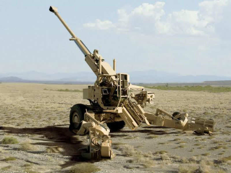 Bofors: Big guns: Two modern 155 mm artillery guns land in