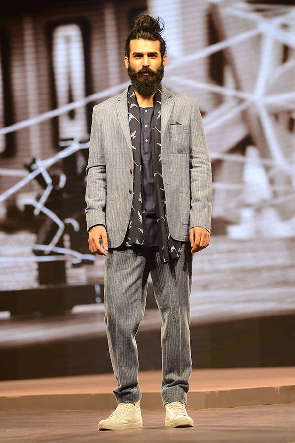 Raymond Khadi: Fashion show