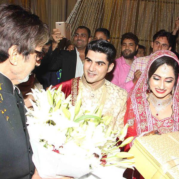 Amitabh Bachchan attends Ali Khan's daughter's wedding