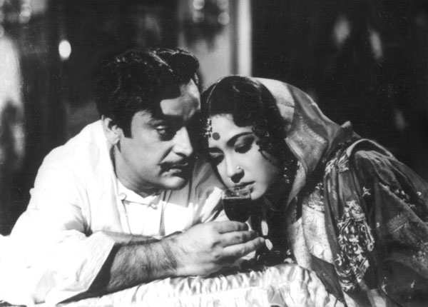 'Sahib Bibi Aur Ghulam' is based on a Bengali novel
