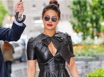 Priyanka leaving no stone unturned to promote 'Baywatch'