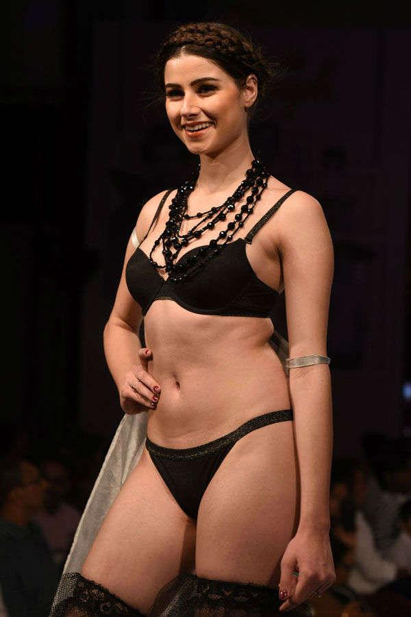 Triumph lingerie fashion show '17