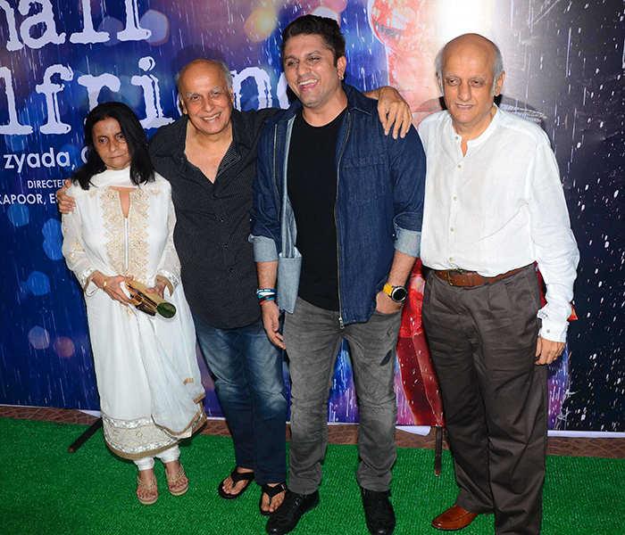 Mohit Suri poses with Bhatt family