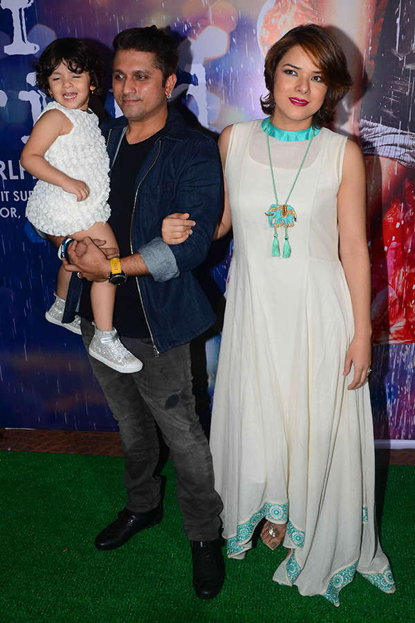 Mohit Suri poses with his family