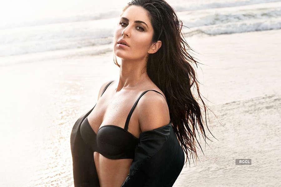 """Katrina Kaif wishes fans a """"happy breezy Monday"""""""