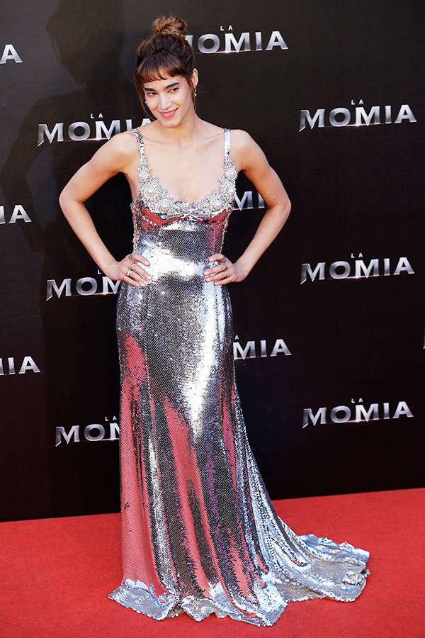 Sofia Boutella walks the red carpet for The Mummy premiere