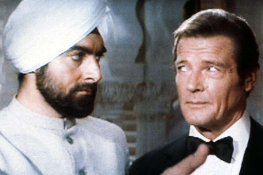 Kabir Bedi and Roger Moore in Octopussy