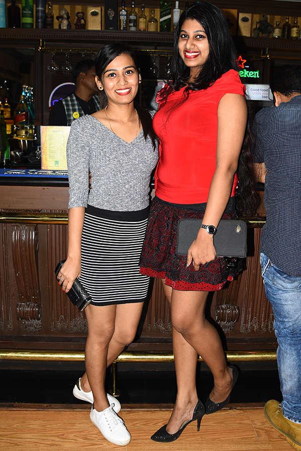 Bollywood night at 10 D
