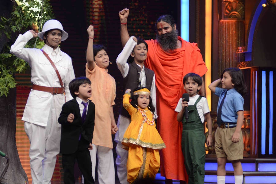 Baba Ramdev with contestants