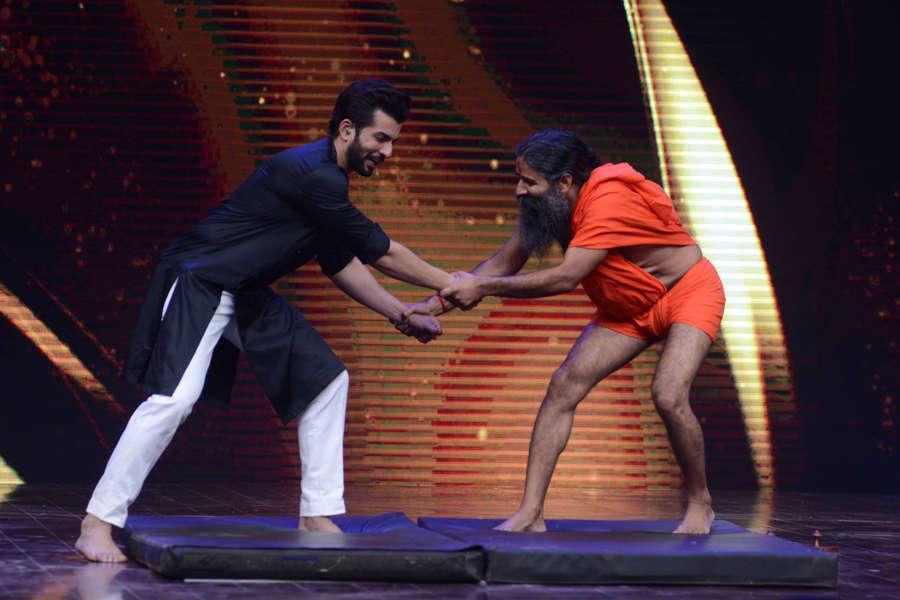 Jay Bhanushali and Baba Ramdev on the sets