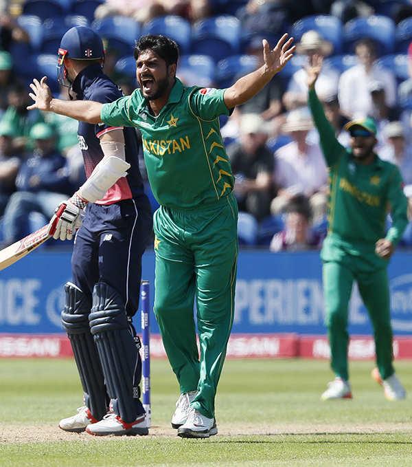 Pakistan beat England to enter Champions Trophy final