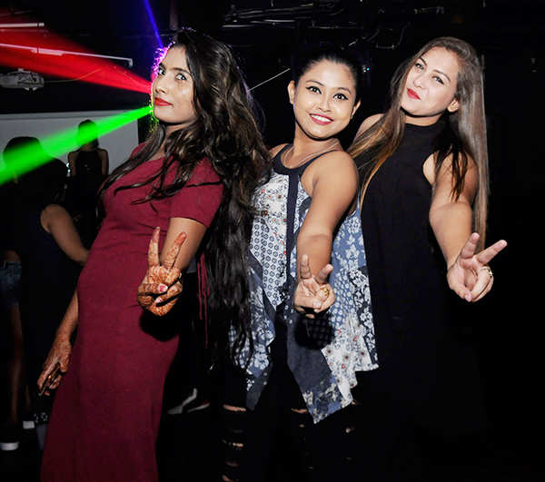 Party at Black Lounge