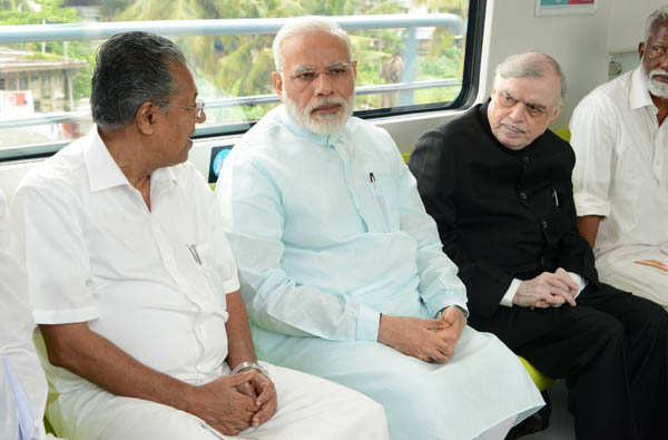 PM inaugurates Kochi's first metro rail service