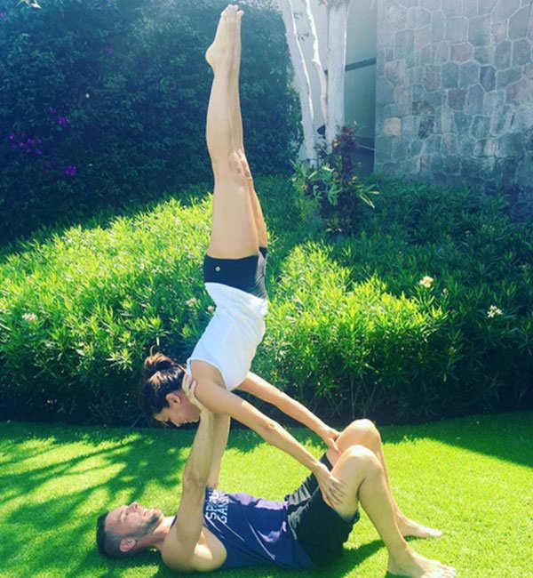 Eva Longoria is seen doing yoga with her favourite instructor