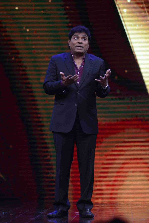 Johnny Lever on the set