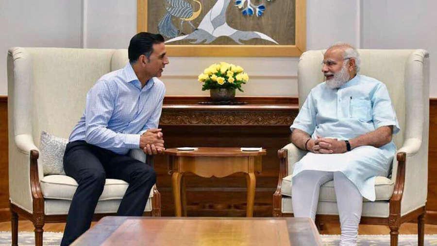 Narendra Modi meets Akshay Kumar