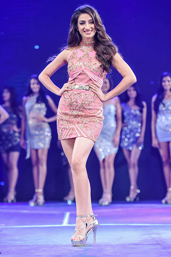 Miss India 2017 finalists in Nivedita Saboo outfits: Sub Contest Ceremony