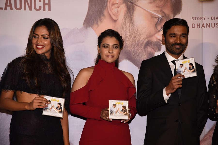 Amala Paul, Kajol and Dhanush during the trailer launch