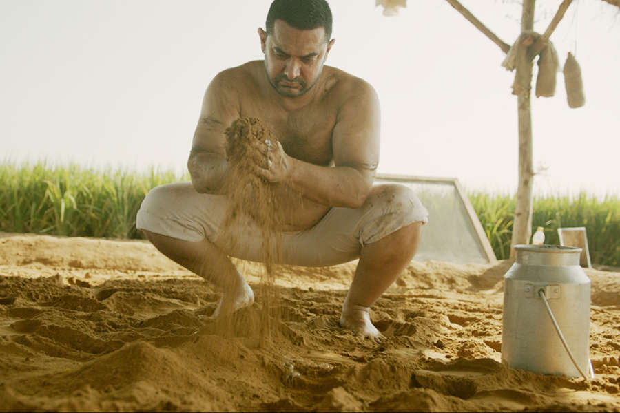 Aamir's 'Dangal' becomes the first Indian film to cross 2000 crore worldwide