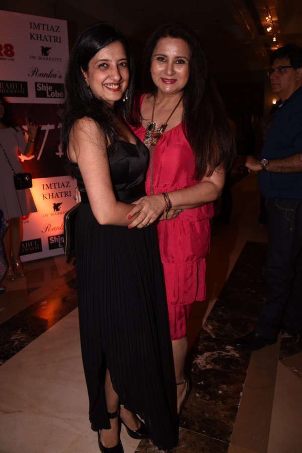 Amy Billimoria and Poonam Dhillon at Beti Fashion Show