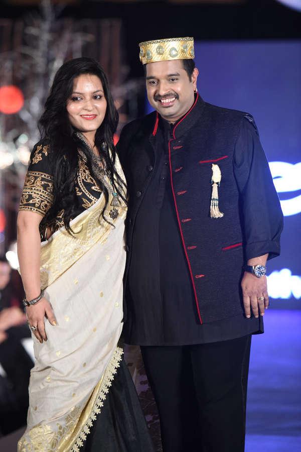 Shankar Mahadevan with wife Sangeeta Mahadevan at Beti Fashion Show