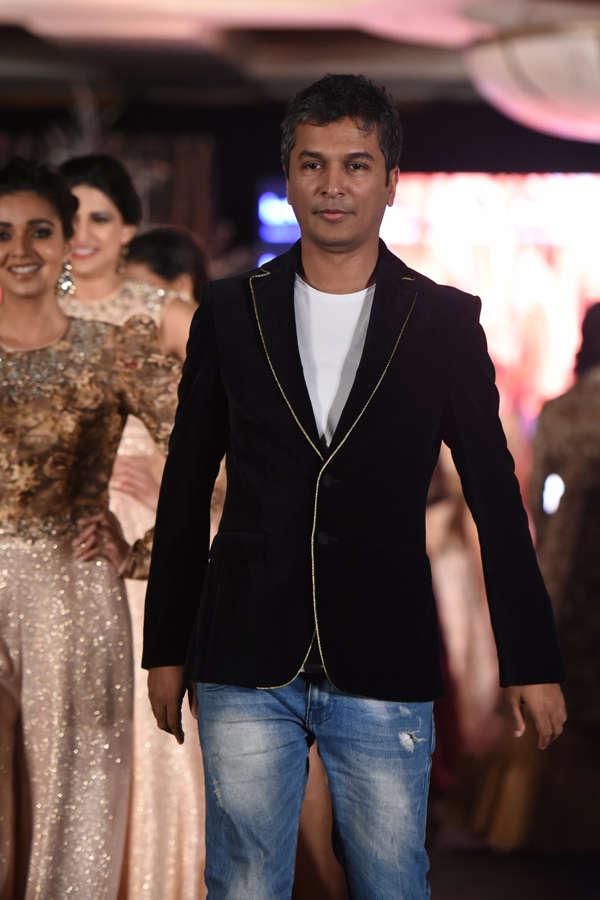 Vikram Phadnis at Beti Fashion Show