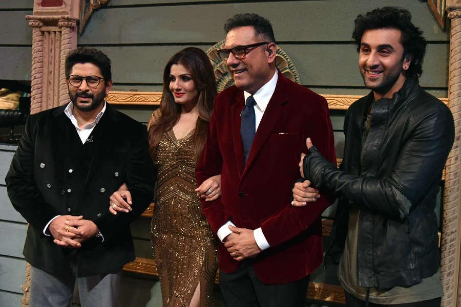 Arshad Warsi, Raveena Tondon, Boman Irani and Ranbir Kapoor smile for the camera
