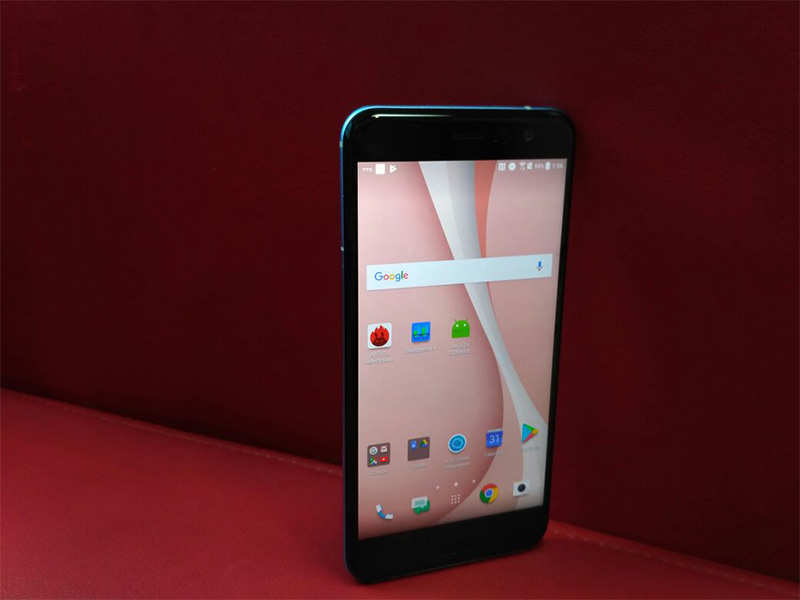 HTC U 11 Review: More than just a 'squeezable' Smartphone   Gadgets Now
