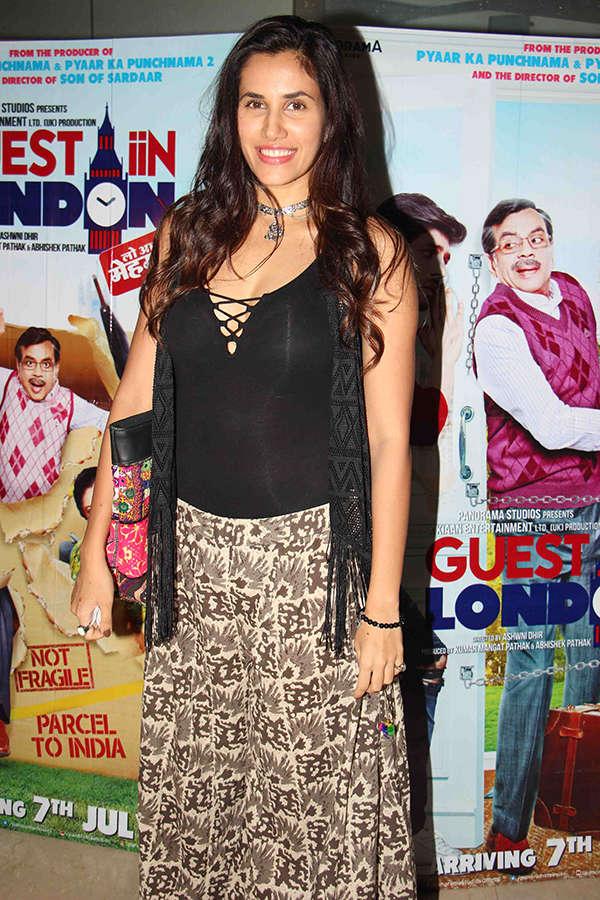 Guest Iin London: Premiere