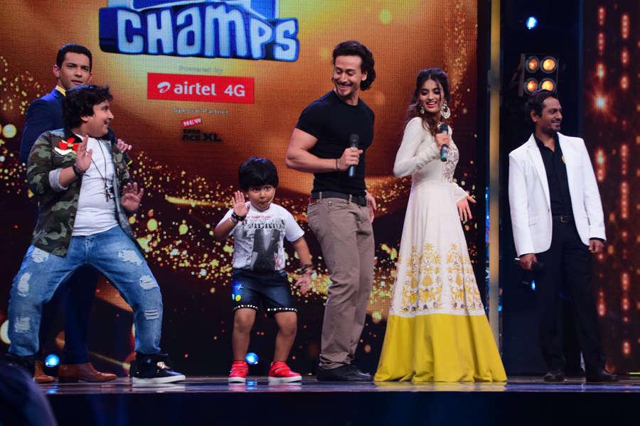 Tiger Shroff, Nidhhi Agerwal and Nawazuddin Siddiqui having fun