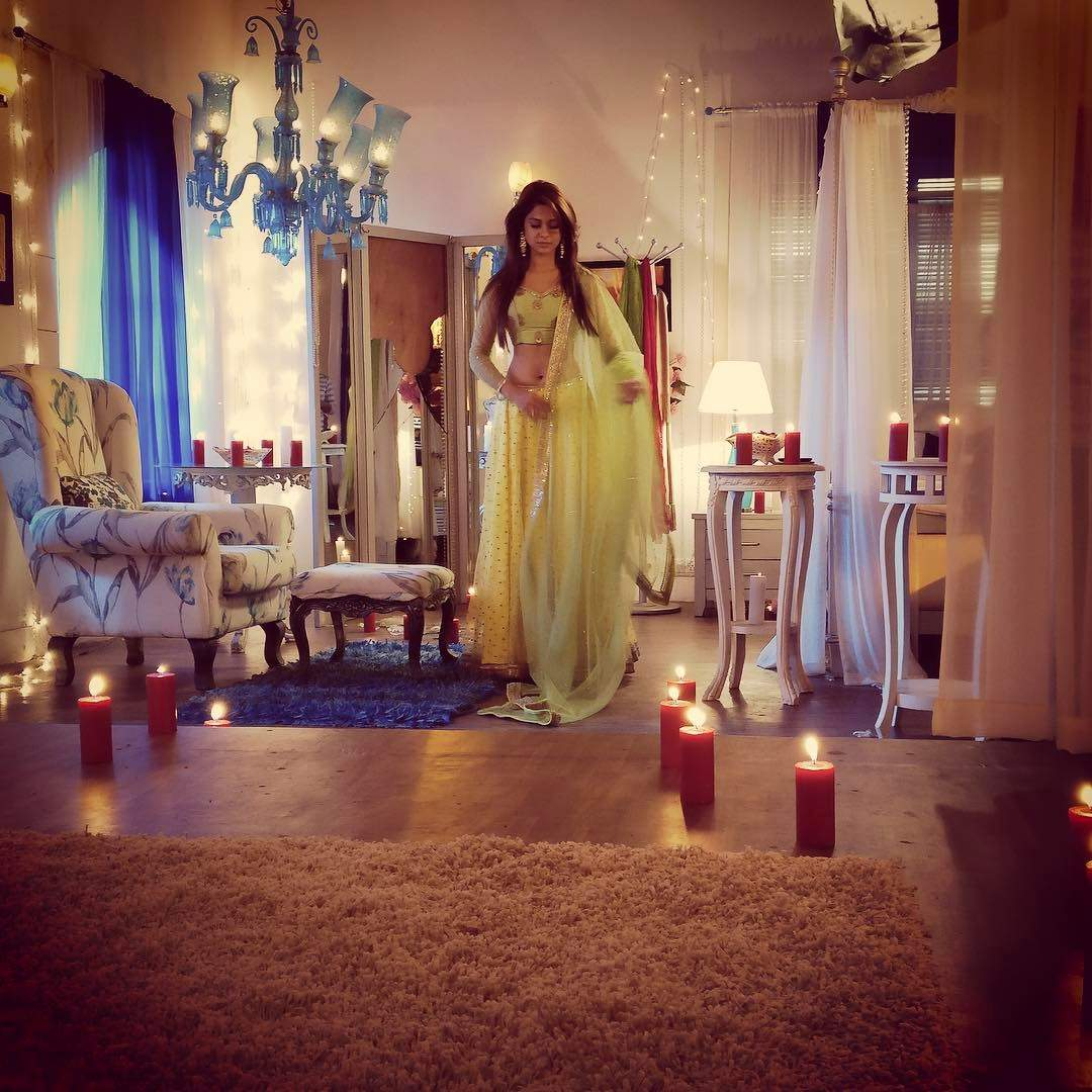I think love is such a beautiful thing, everyone should experience it.: Jennifer Winget
