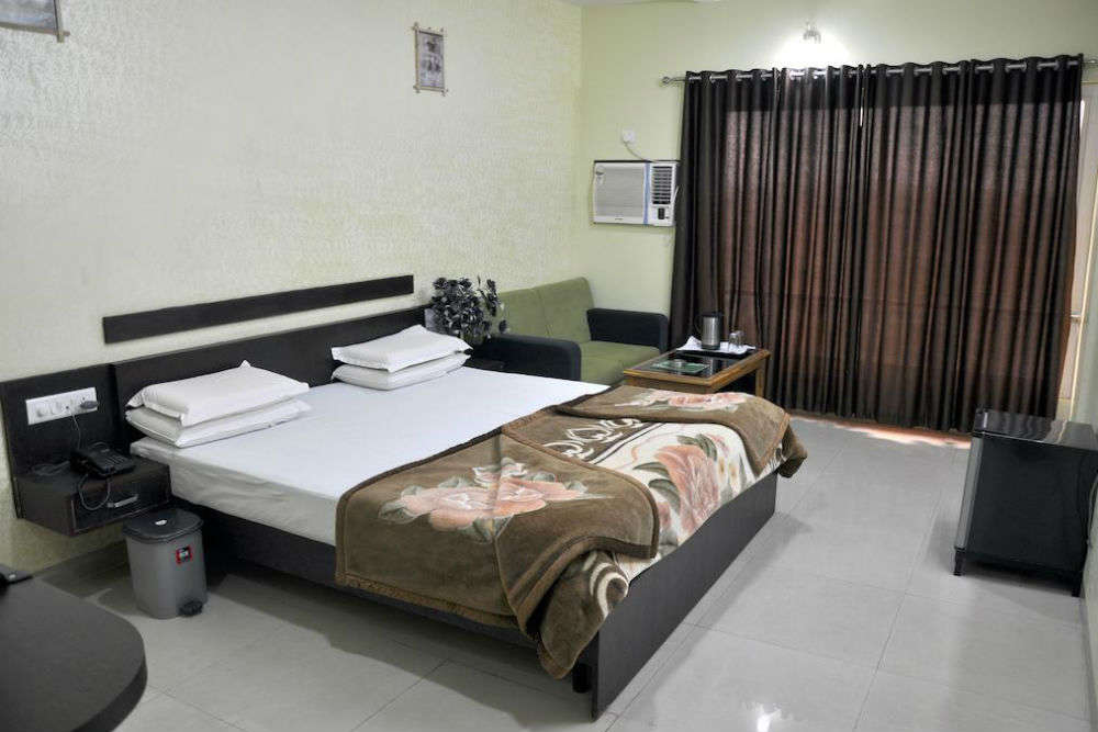 Hotel Mittal Avenue