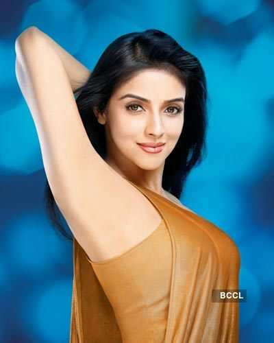 Asin shoots for ad