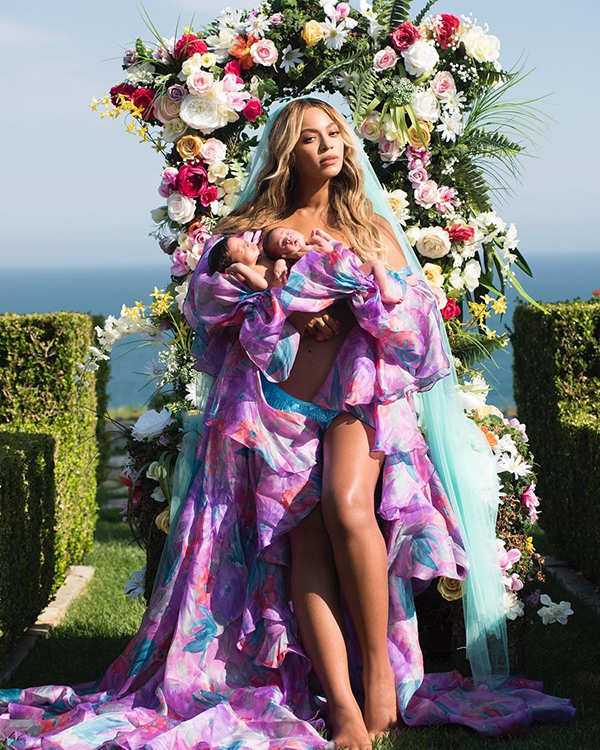 Singer Beyonce's glorious pic with her newborn twins