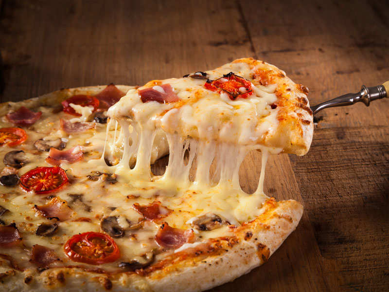 What's the difference between pan-pizza and hand tossed pizza?