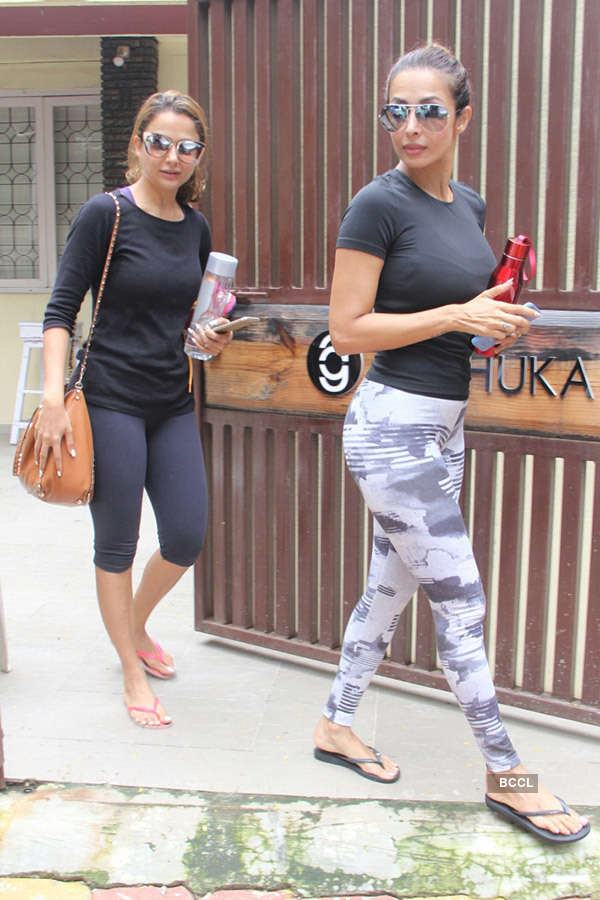 Super stylish Malaika Arora with sister Amrita slays in style...