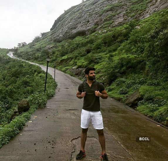 Jitesh Thakur's Lonavala escapade