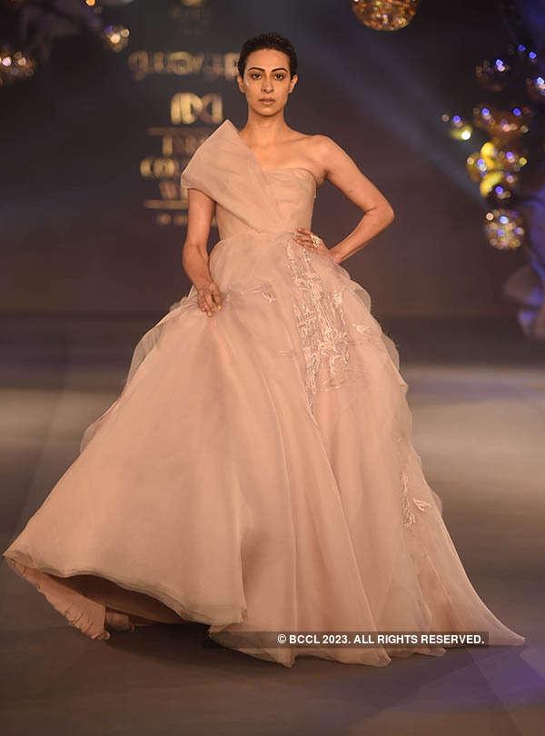 FDCI India Couture Week 2017: Day 6: Gaurav Gupta