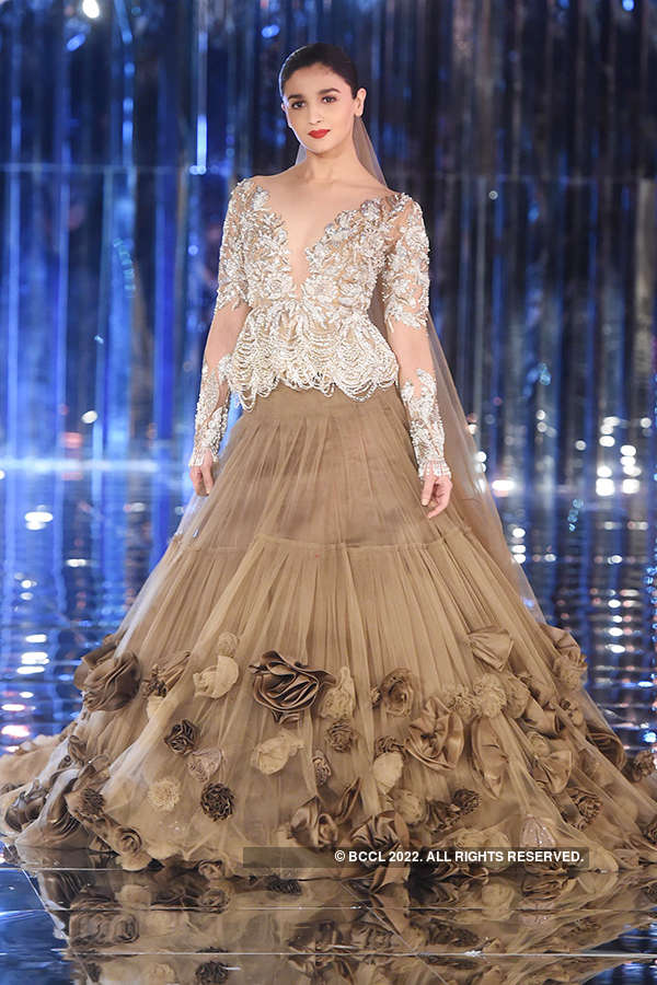 FDCI India Couture Week 2017: Day 7: Manish Malhotra