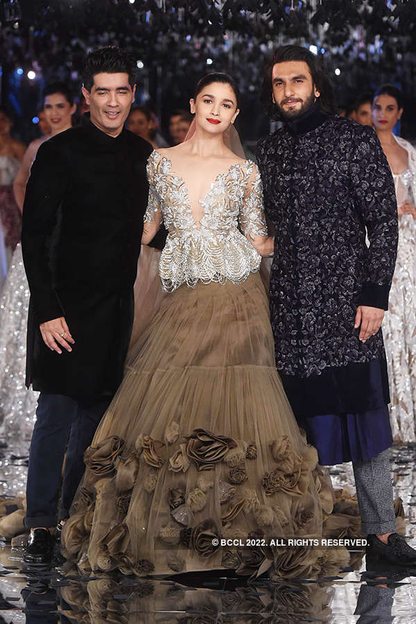 FDCI India Couture Week 2017: Day 7: Manish Malhotra